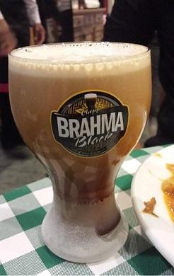 Chopp Brahma Black geladíssimo