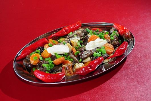 Bar do Ceará: Carne assada com tempero especial e maionese, acompanhada com bacon, queijo coalho e pimentão