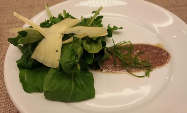 Entrada: Salada Grana Padano
